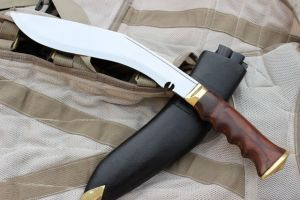 13 INCH BLADE II WORLD WAR GRIPPER WOODEN HANDLE KUKRI